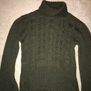 Sweaters - Green turtle neck sweater
